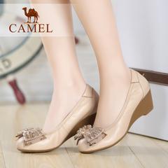 camel骆驼女鞋秋季热销中跟套脚蝴蝶结串珠圆头浅口单鞋休闲鞋