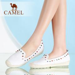 Camel/骆驼女鞋 休闲轻便 圆头细摔牛皮铆钉低跟单鞋2016夏乐福鞋