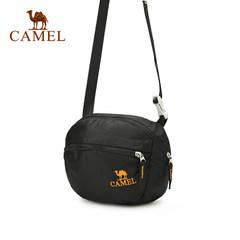 Camel骆驼新品休闲运动男士单肩包旅行防水斜挎包男女通用小包包