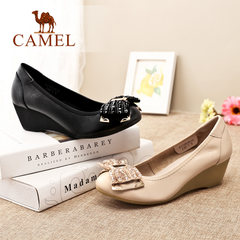 Camel/骆驼女鞋秋季热销中跟套脚蝴蝶结串珠圆头浅口单鞋休闲鞋