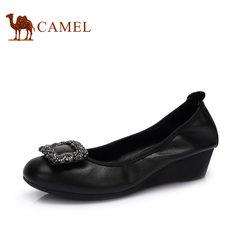 骆驼女鞋 2017 春季新款 时尚休闲浅口单鞋 舒适坡跟女鞋