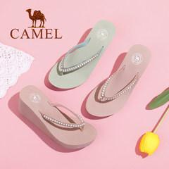 Camel/骆驼女鞋 夏季新款甜美水钻人字拖女 简约百搭坡跟拖鞋
