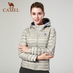 CAMEL/駱駝戶外女款輕薄連帽羽絨服簡約大方修身保暖外套女運動服