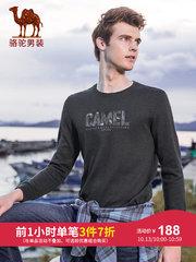 骆驼男装 2018秋冬新款青年时尚圆领长袖上衣服纯色字母绣花T恤男