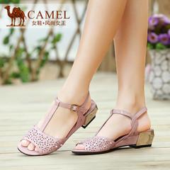 Camel骆驼女鞋 时尚清凉 牛漆皮镂空铆钉金属搭扣中跟女凉鞋
