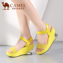 Camel骆驼女鞋 时尚清凉 羊皮马毛腕带金属方扣高跟凉鞋新款