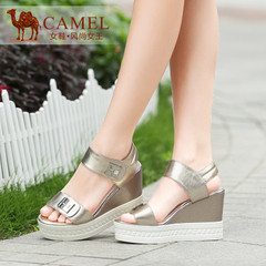 Camel骆驼 舒适时尚 厚底坡跟腕带魔术贴金属牛皮2015夏凉鞋