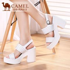 Camel骆驼女鞋 2015时尚夏季新款牛皮圆形小铆钉金属搭扣高跟凉鞋