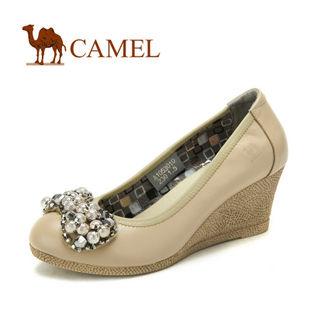 camel 骆驼 女鞋 成熟典雅 真皮时尚坡跟鞋 2012春款 1053010